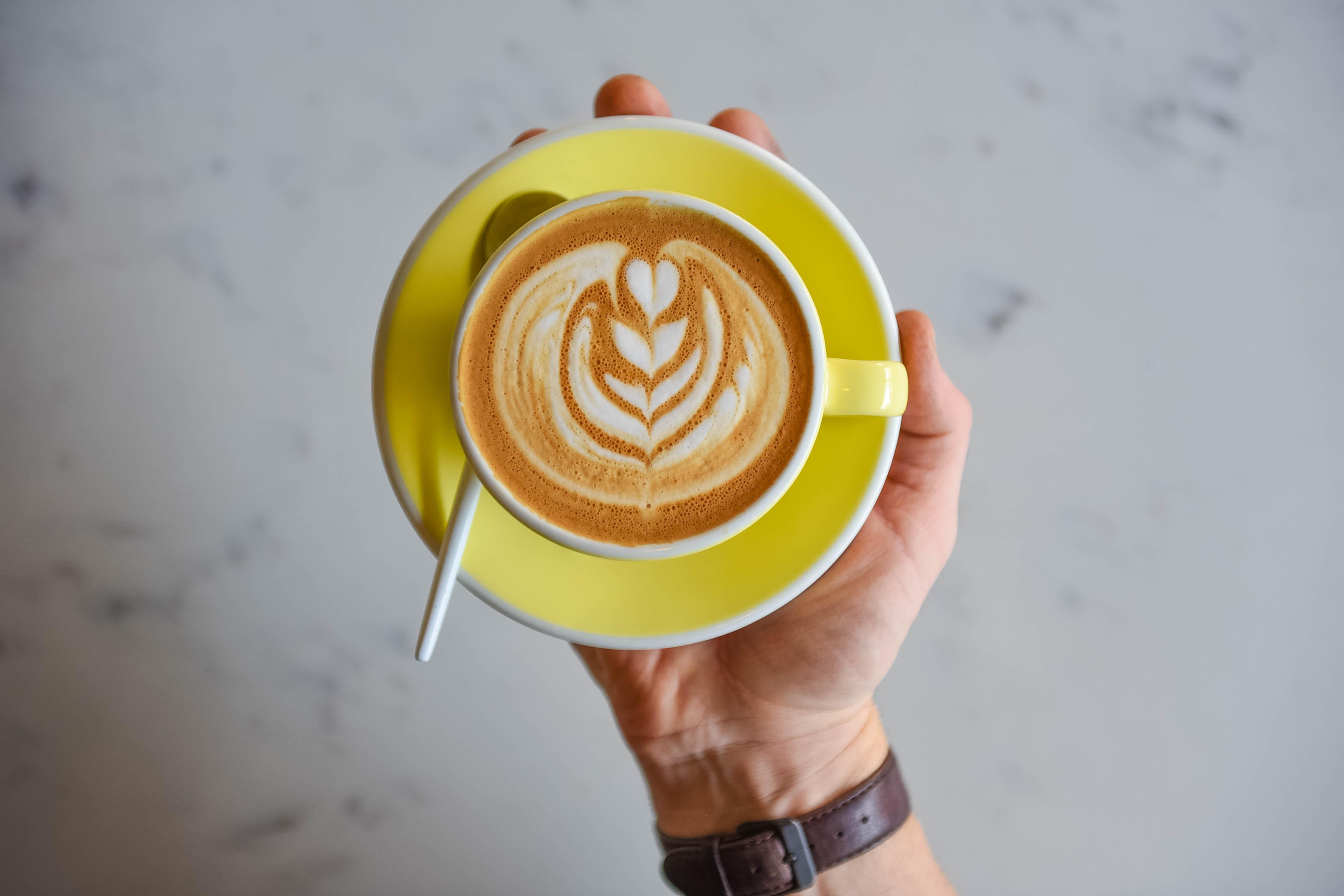Three Seat_Overhead latte