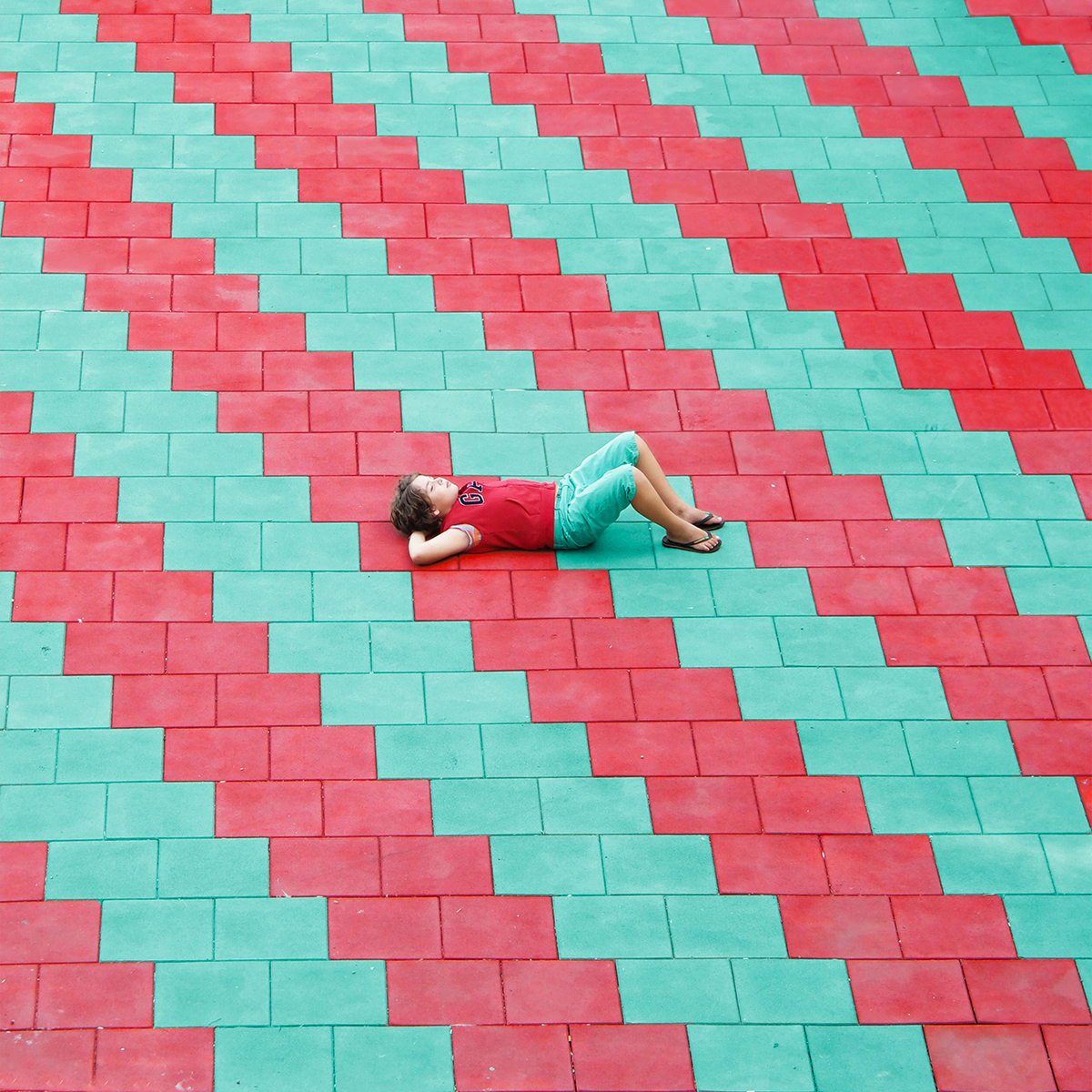 Picture Me Gone by Yener Torun - Life-Styled.net